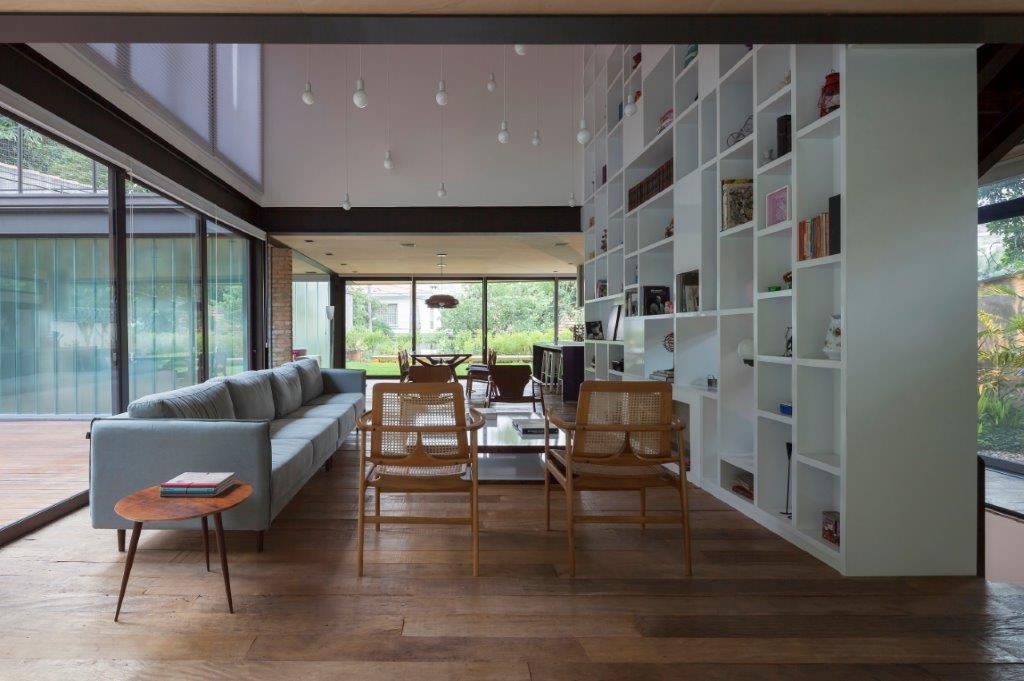 Circuito Arq+Decor dmv-arquitetos-03 Casa Pacaembu, assinada pelo DMDV arquitetos, se destaca pelo uso de estrutura metálica PROJETOS