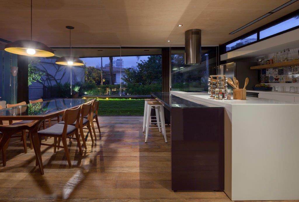 Circuito Arq+Decor dmv-arquitetos-07 Casa Pacaembu, assinada pelo DMDV arquitetos, se destaca pelo uso de estrutura metálica PROJETOS