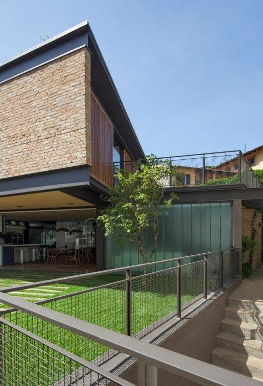 Circuito Arq+Decor dmv-arquitetos-11 Casa Pacaembu, assinada pelo DMDV arquitetos, se destaca pelo uso de estrutura metálica PROJETOS