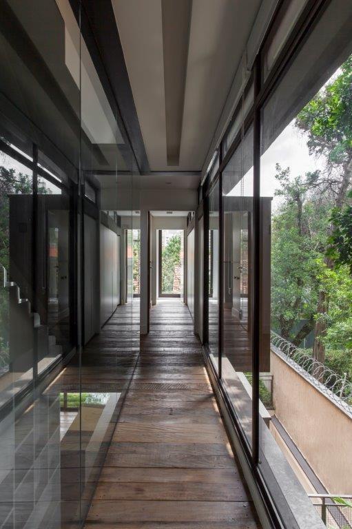 Circuito Arq+Decor dmv-arquitetos-12 Casa Pacaembu, assinada pelo DMDV arquitetos, se destaca pelo uso de estrutura metálica PROJETOS