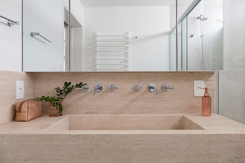 Circuito Arq+Decor tria-arquitetura-10 Texturas naturais, plantas e fluidez no apto com 'clima de casa' assinado pelo TRIA Arquitetura PROJETOS
